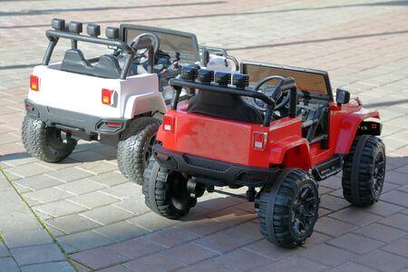 Miniature plastic SUVs for children and street entertainment