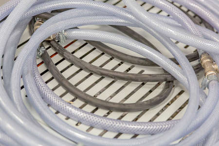 Robust industrial hose for the supply of specialized liquids