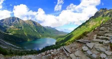the deepest: Morskie Oko es el lago m�s profundo y m�s grande el cuarto lugar en las monta�as de Tatra