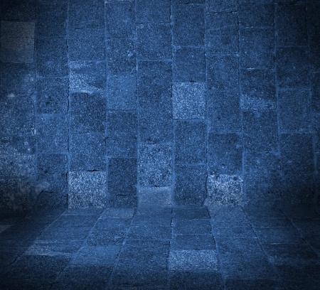 grunge interior: habitaci�n azul oscuro vac�o interior con piso