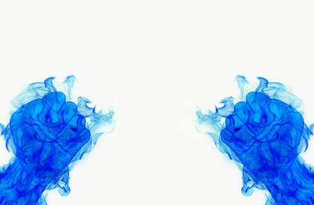 delincuencia: dos llamas azul Puño de Fuego en blanco
