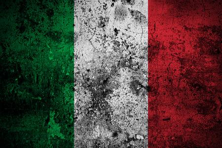 bandiera italiana: grunge bandiera d'Italia con capitale a Roma