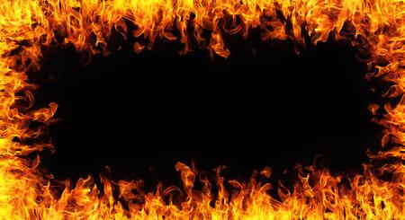 黒 backgroudn の抽象的な火災のフレーム