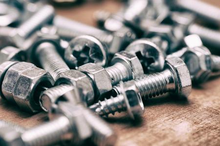 tornillos: tornillos de madera