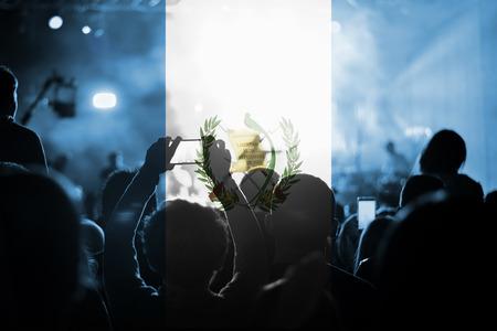 bandera de guatemala: concierto de música en vivo con la mezcla de la bandera de Guatemala en los ventiladores