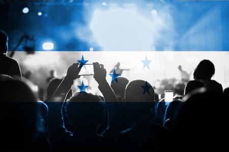 bandera de honduras: live music concert with blending Honduras flag on fans