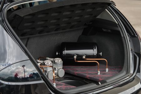 close-up op auto snelheid upgrade in de vrachtwagen Stockfoto