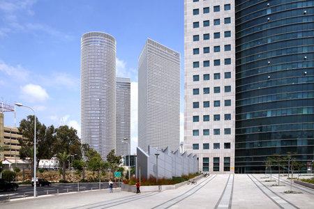 azrieli: TEL AVIV, ISRAEL - MAY 10, 2015: Three High-rise Azrieli in Tel Aviv