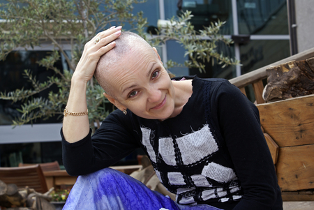 chemotherapy: Woman lost her hair during chemotherapy