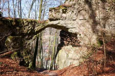 Gateway rock at castle remains Torfelsen close to Beilngries, Germany, seen from above Stock Photo - 119092879