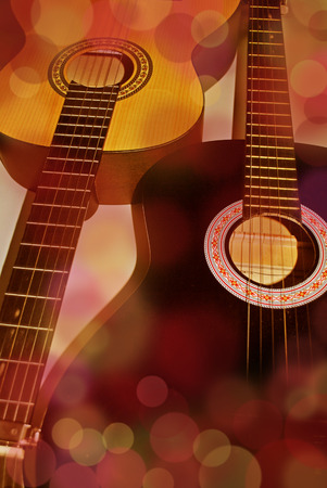 colores calidos: two guitars in warm colors