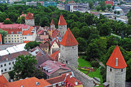 clody: Tallinn wall and towers view