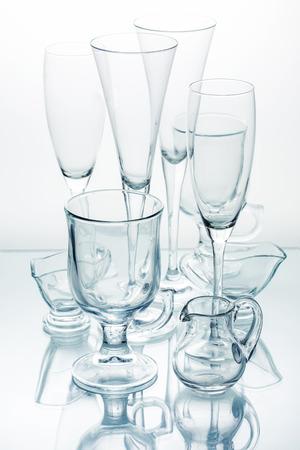 material de vidrio: Glassware - wine glasses, glasses and sauce boats Foto de archivo