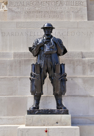 st james s: LONDON, UK - JUNE 3, 2014  War monument in front of Triumph Wellington Arch in London