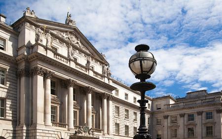 england politics: Royal Art collage in London