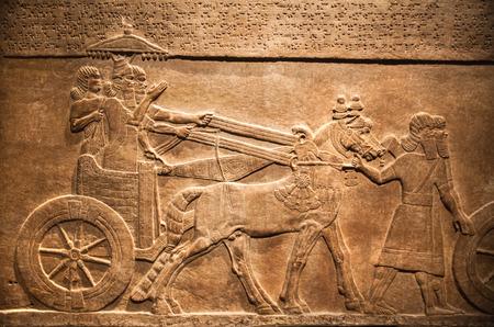 ロンドン、イギリス - 2014 年 11 月 30 日: イギリス博物館。狩猟、ニネベのアッシリアの Assurbanipal の宮殿からの救済 報道画像