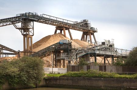 cemento: Maquinaria de la fábrica de cemento, Londres Foto de archivo