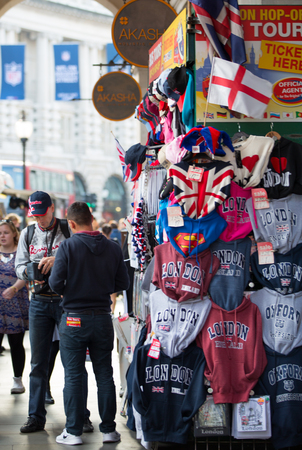 souvenir: LONDON, UK - OCTOBER 4, 2016: Typical London street stall selling tourist souvenirs at Regent street