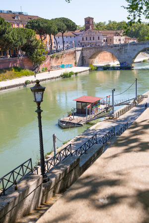 tevere: ROME, ITALY - APRIL 8, 2016:  Ponte Garibaldi bridge view at sunny day
