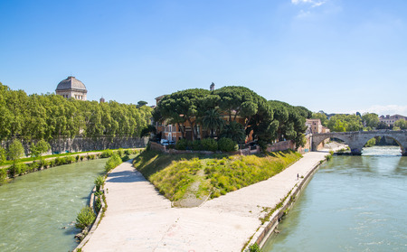 tevere: ROME, ITALY - APRIL 8, 2016: Isola, Island in the middle of Flume Tevere, River Tider