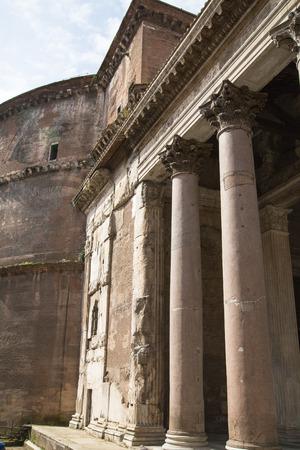 emporium: Pantheon in Rome, architectural detail