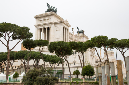 altar of fatherland: ROME, ITALY - APRIL 9, 2016: Altar of the Fatherland (Altare della Patria) 1925. Piazza Venezia . Vittorio Emanuele II in Rome, Italy