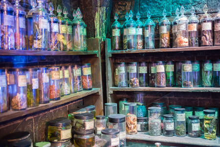 alfarero: Leavesden, London, UK - 1 March 2016: Interior of professor Snape magic jags collection. Decoration Warner Brothers Studio for Harry Potter film Editorial