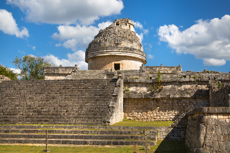 Mexico, Cancun - February 15, 2018: Chichen Itzá, Yucatán. Ruins of ancient observatory 報道画像