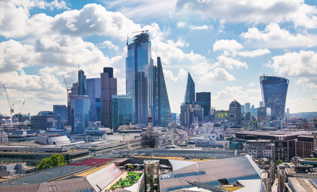 London, UK - June 20, 2019: City of London view from the St. Paul's cathedral at sunny summer day. View includes skyscrapers of banking and offie area Foto de archivo - 129659489