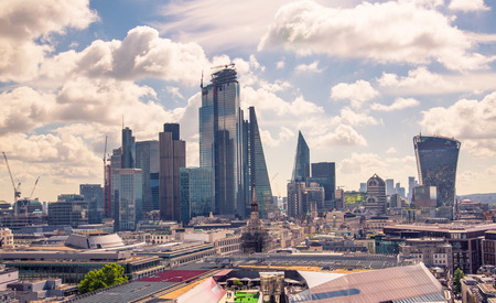 London, UK - June 20, 2019: City of London view from the St. Paul's cathedral at sunny summer day. View includes skyscrapers of banking and offie area Foto de archivo - 129746166