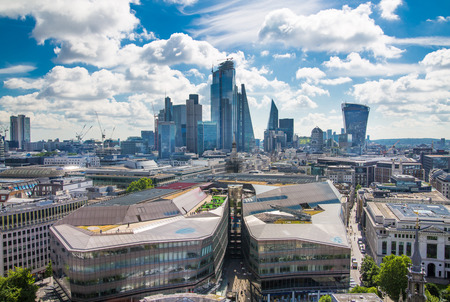London, UK - June 20, 2019: City of London view from the St. Paul's cathedral at sunny summer day. View includes skyscrapers of banking and offie area Foto de archivo - 129746167