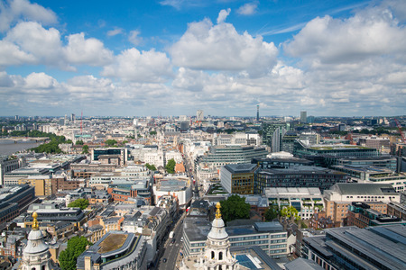 London, UK - June 20, 2019: City of London view from the St. Paul's cathedral at sunny summer day. Foto de archivo - 129746170