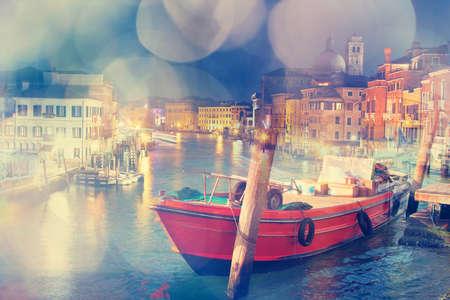 multiple exposure: Esposizione di immagine multipla di Venezia, Italia. Effetto sognante � stato applicato.