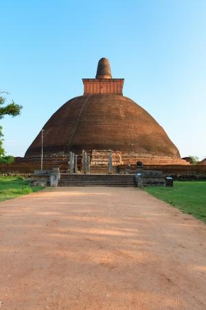 anuradhapura: Jethawanaramaya or Jetavanarama dagoba (stupa). Anuradhapura, Sri Lanka Stock Photo