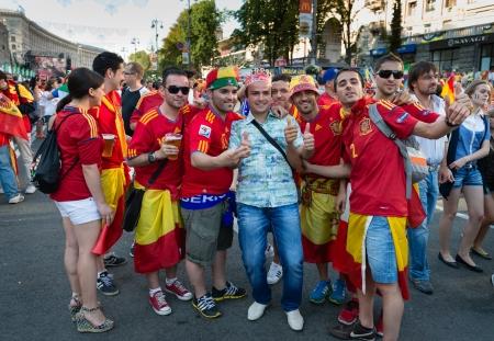 ユーロ 2012 の最終 2012 年 7 月 1 日にキエフ、ウクライナでのスペイン対イタリアの一致前にキエフ、ウクライナ - 7 月 1日: スペインのフットボール 報道画像