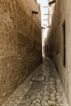 bastakiya: Tiny alleyways  in the old arabic merchant quarter of Bastakiya in Dubai, United Arab Emirates.