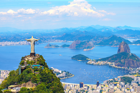 Luchtfoto van Rio de Janeiro met Christus Verlosser en Corcovado Mountain. Brazilië. Latijns-Amerika, horizontaal Stockfoto