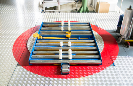 Turntable for wrapping pallets with stretch film photo