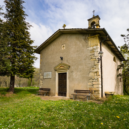 abbot: Small church of the Lombard period (nineteenth century) dedicated to St. Anthony Abbot.