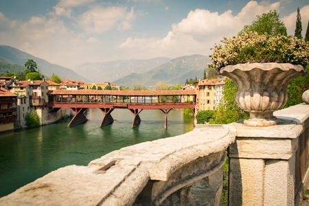 The Old Bridge also called the Bassano Bridge or Bridge of the Alpini, located in the city of Bassano del Grappa, in the Province of Vicenza, is considered one of the most picturesque bridges in Italy. 版權商用圖片 - 74505349