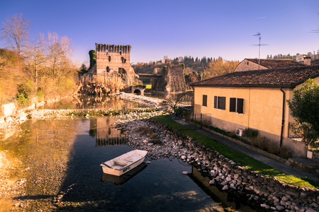 Borghetto is a fraction of the municipality of Valeggio sul Mincio, in the province of Verona. The buildings were built on the river that flows beneath the houses.