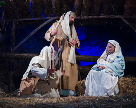Villaga, Italy - December 30, 2017: Representation of the nativity recreating the famous paintings of Giotto and Caravaggio. Editoriali