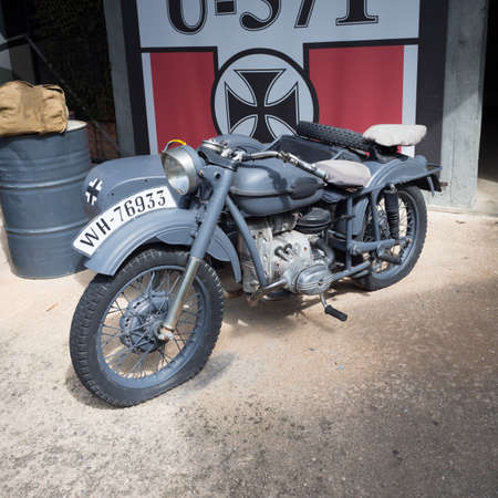 Verona, Italy - September 7, 2019: Vintage motorcycle that belonged to the armed forces of the third reich in the Second World War. 新聞圖片