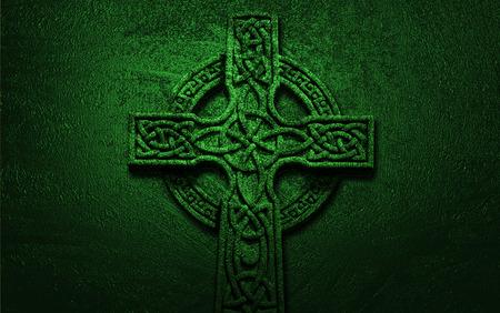 Keltisch Kruis op Groene Achtergrond Stockfoto