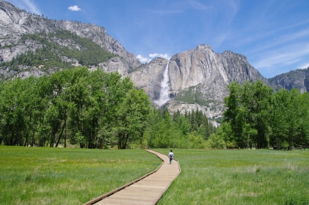 Wooden trail to Horsetail fall, Yosemite National Park, California Banque d'images