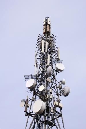 bellow: Vista desde abajo Torre de telecomunicaciones en el cielo