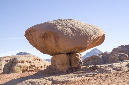 Stone mushroom in the desert Wadi Rum in Jordan Imagens