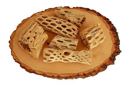 全羅道生の木材のスライスに木片を風化します。