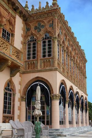 A vertical side view of the west side C� dZan  in Sarasota ,FL