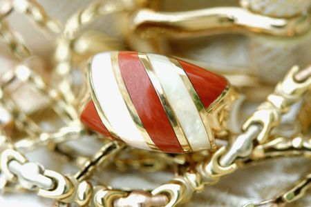 Golden jewelry-jasper colden rind and chain photo